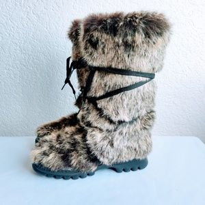 Bebe Furry Boots Size 6